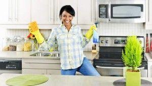 Limpiando la cocina