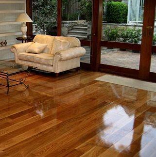 como limpiar un piso con tarima flotante